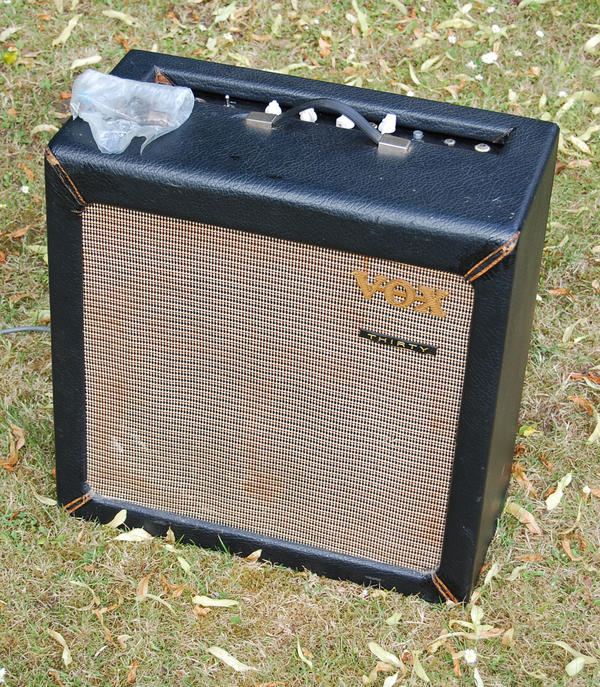 Early single speaker Vox AC30 from 1960, general view